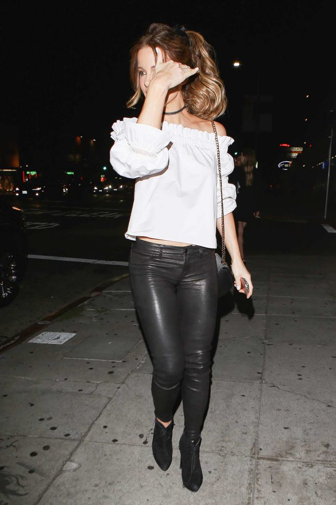 kate-beckinsale-j-brand-leather-pants-2